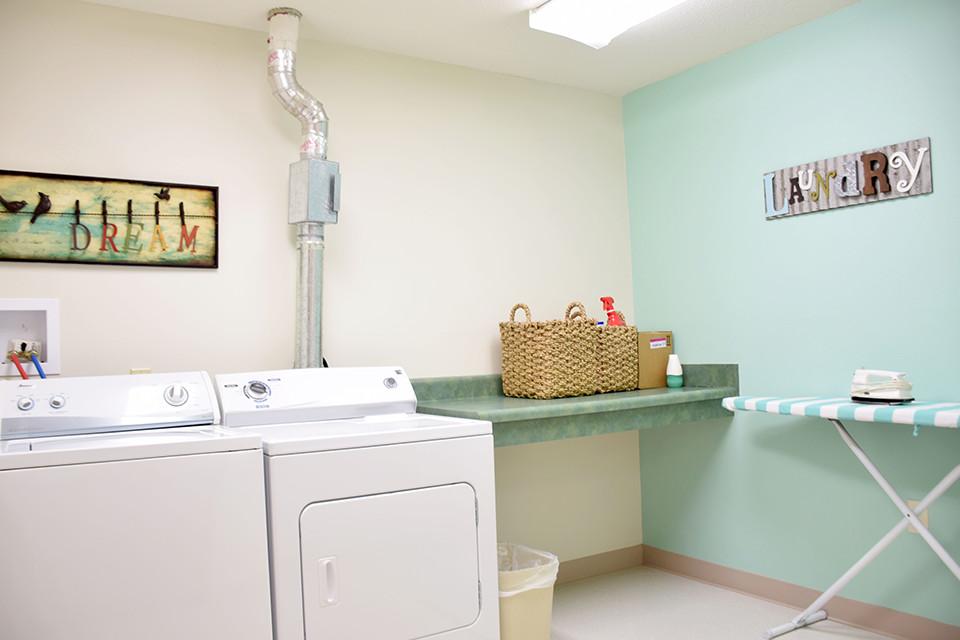 Oak Estates - Laundry Room