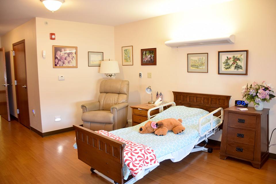 Oakview Nursing Home -Room w/Bed